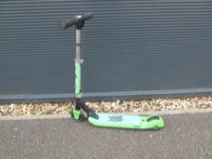Xootz scooter in green
