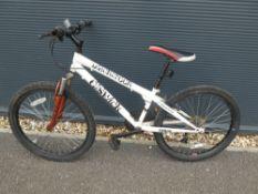 Black Creek mountain bike in white