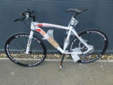 White Extreme town bike
