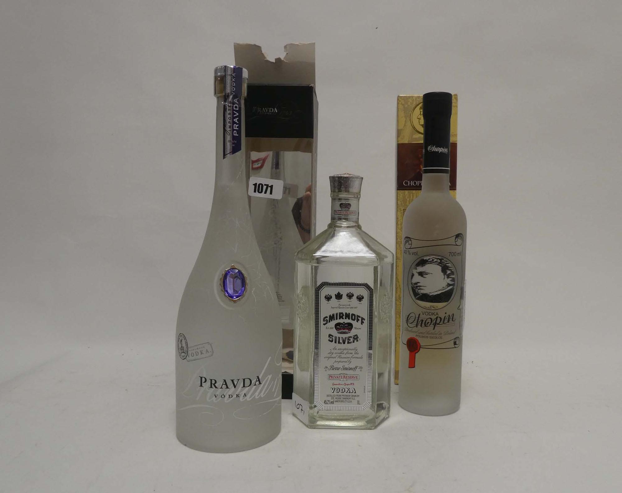 3 bottles of Vodka, 1x Pravda Polish Imported Vodka with box 1litre 40%,