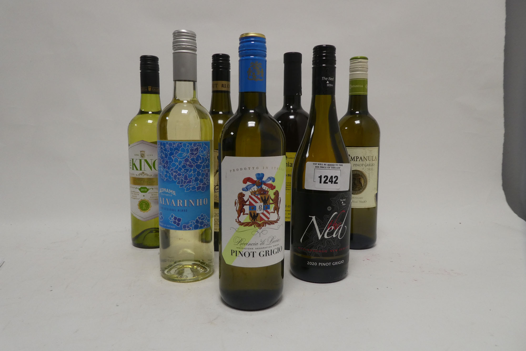 7 bottles white wines, 1x Ned Pinot Grigio 2020 New Zealand, 1x All Out 20 Pinot Grigio Australia,