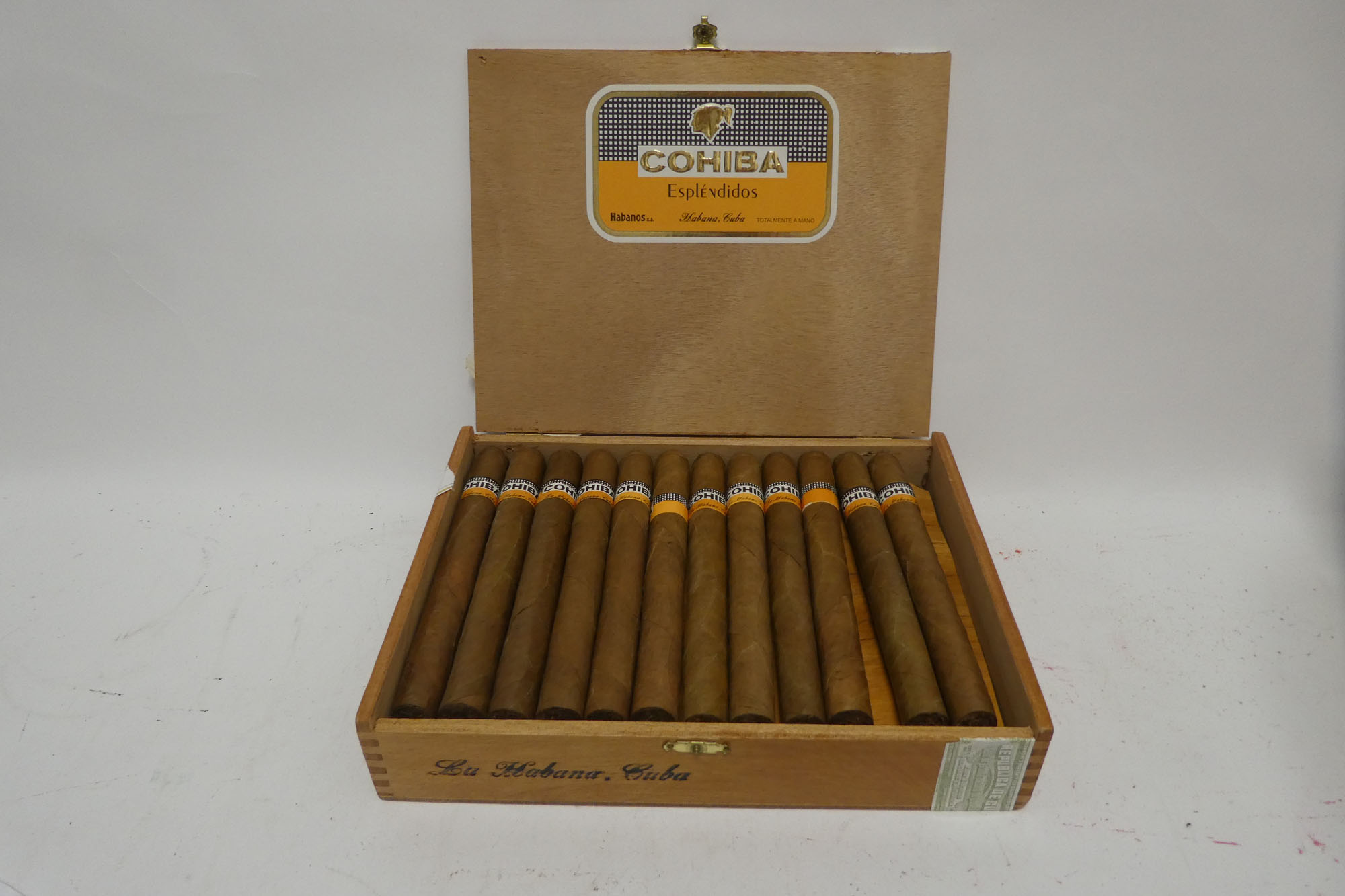 An old box of 24 Esplendidos Cohiba Habanos en Cuba (opened)