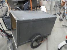 2 wheel boxed bike trailer