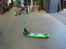 4043 - Zute green scooter