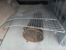 Coal scuttle and 2 pieces of wire cage