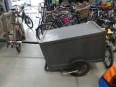 4026 Closed In bike trailer