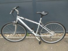 Apollo silver town bike