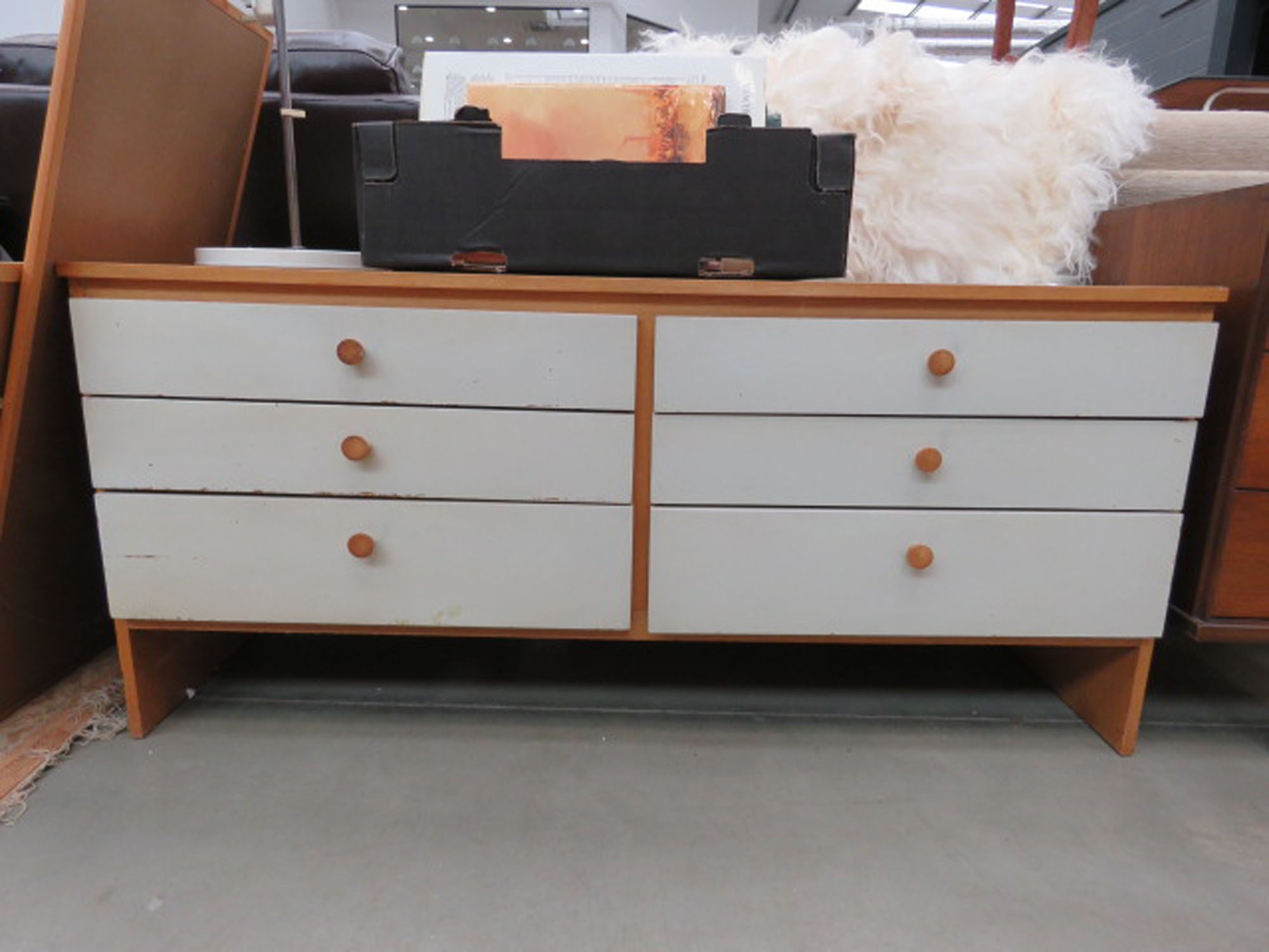 Painted oak chest of six drawers