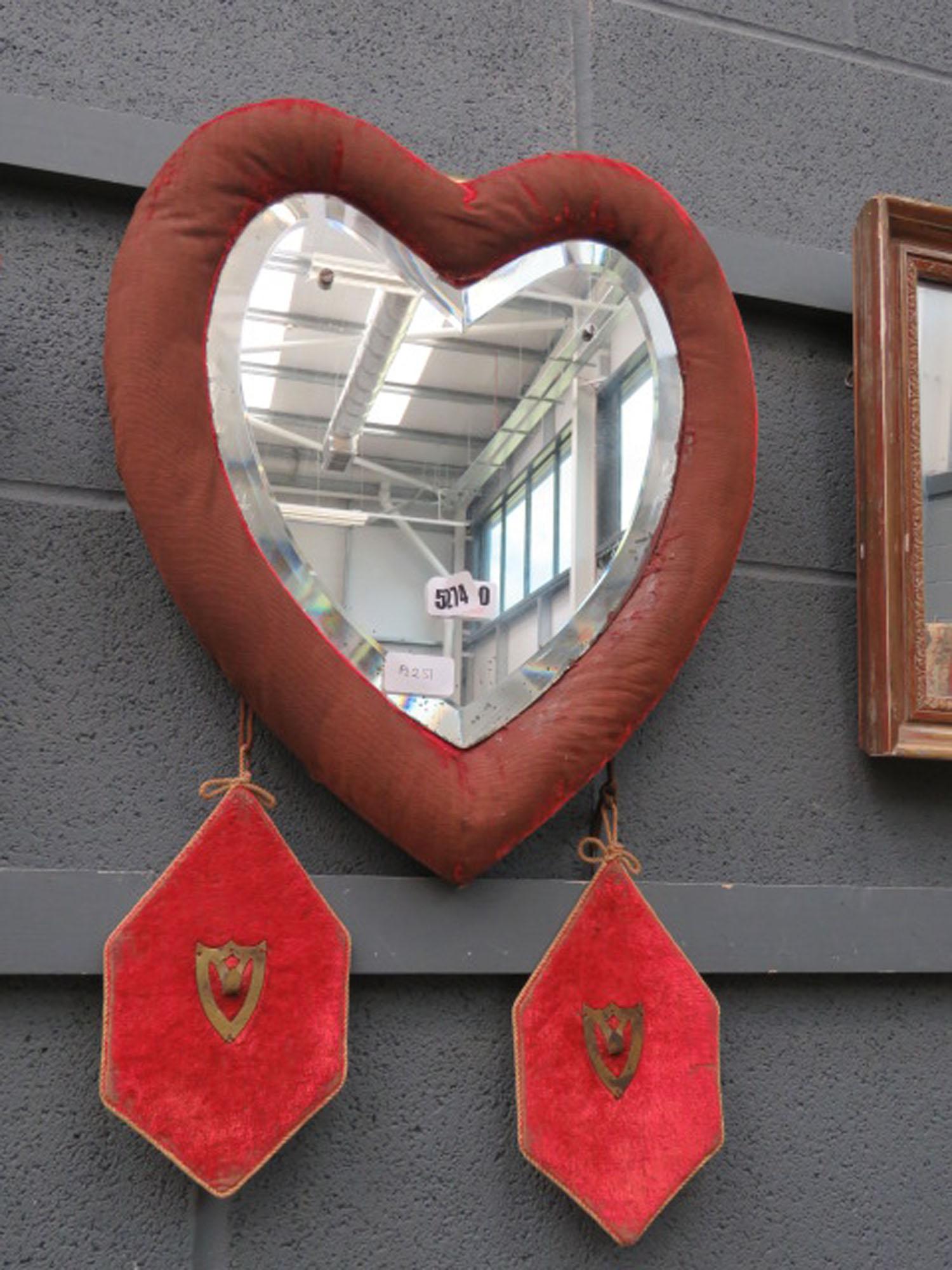 5260 Heart shaped mirror