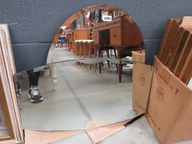 2 bevelled mirrors