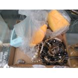 Box containing a qty of costume jewellery