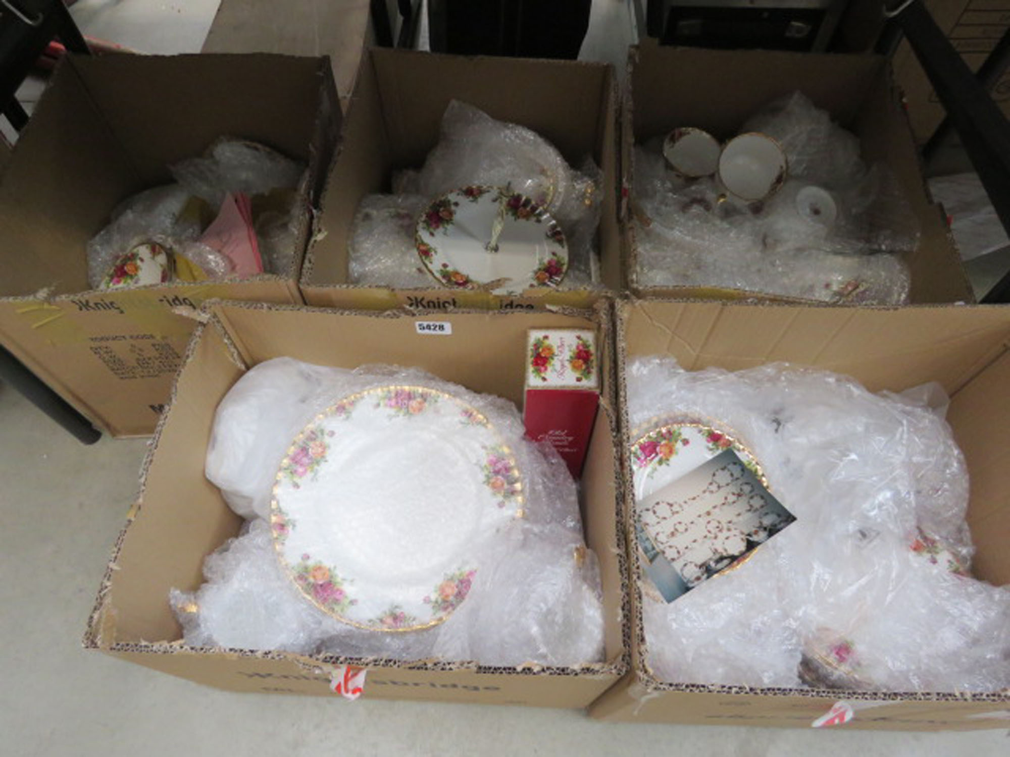 5 boxes containing large quantity of Royal Albert Old Country Rose patterned crockery