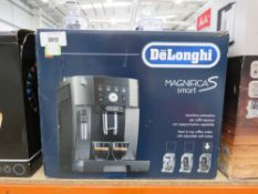 (32) Delonghi Magnifica S smart coffee machine
