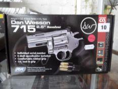 Boxed Dan Wesson revolver C02 .177 pellet air pistol