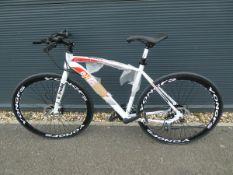 4066 - Extreme mountain bike in white