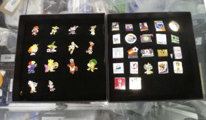 2255 Consignment of various collectable football badges
