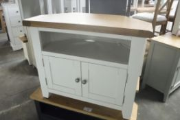White painted oak top corner TV unit with shelf and double door cupboard under, 80cm wide (B,3)