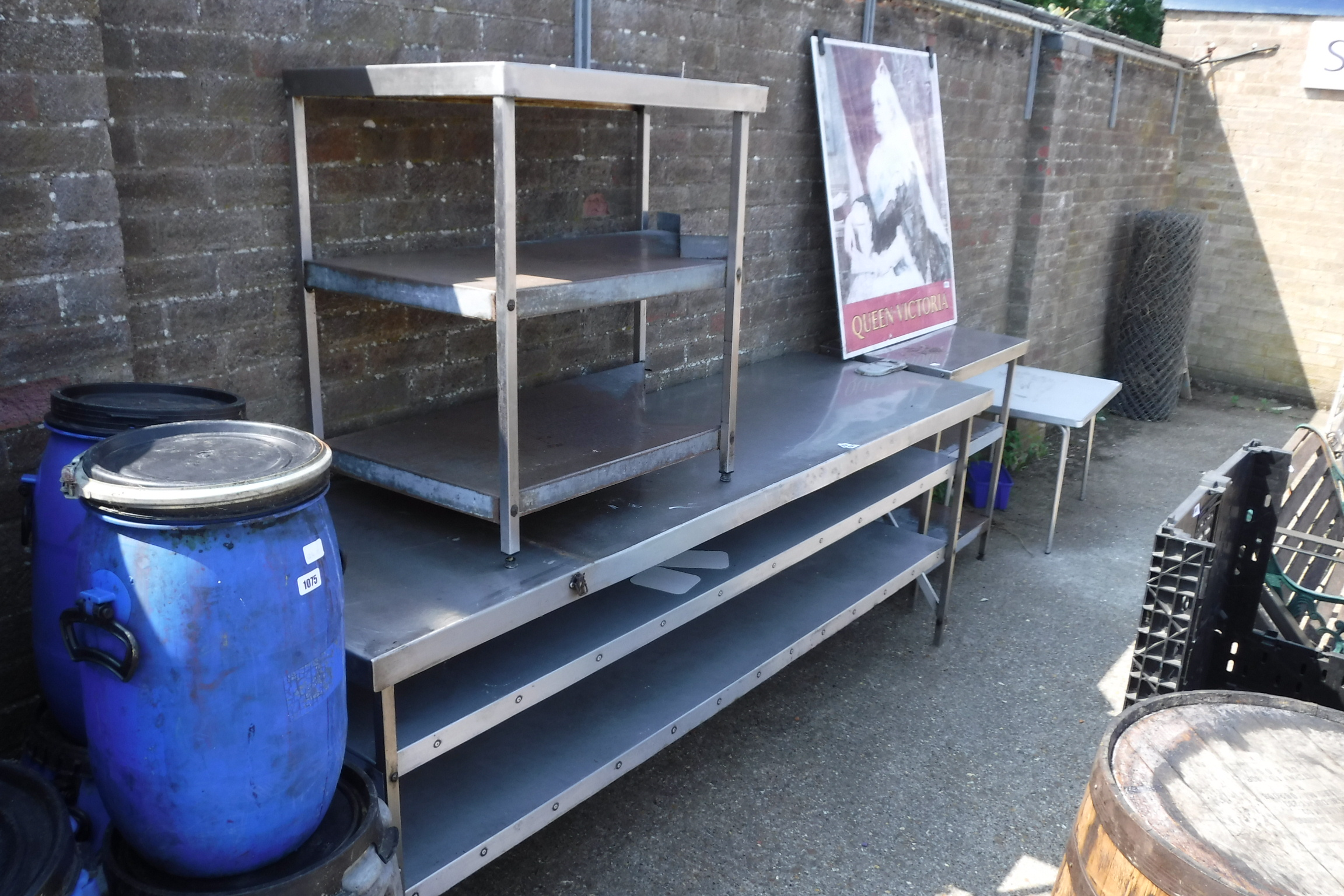 (1153) Selection of aluminium work tops and stands