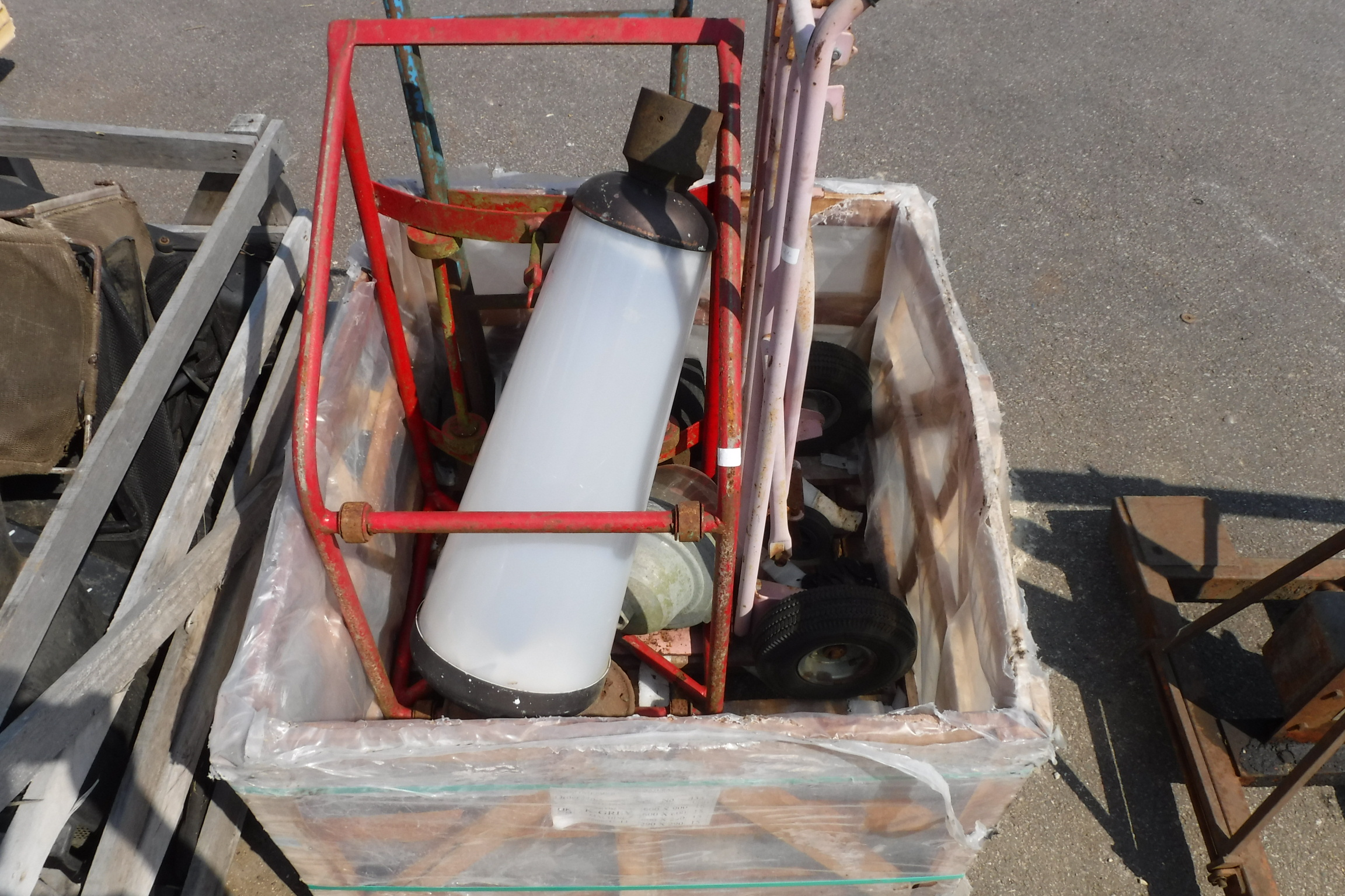 Sack barrows and assorted outdoor lamps and metalwork
