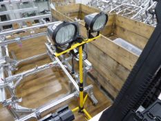 Set of Defender telescopic work lamps, single phase