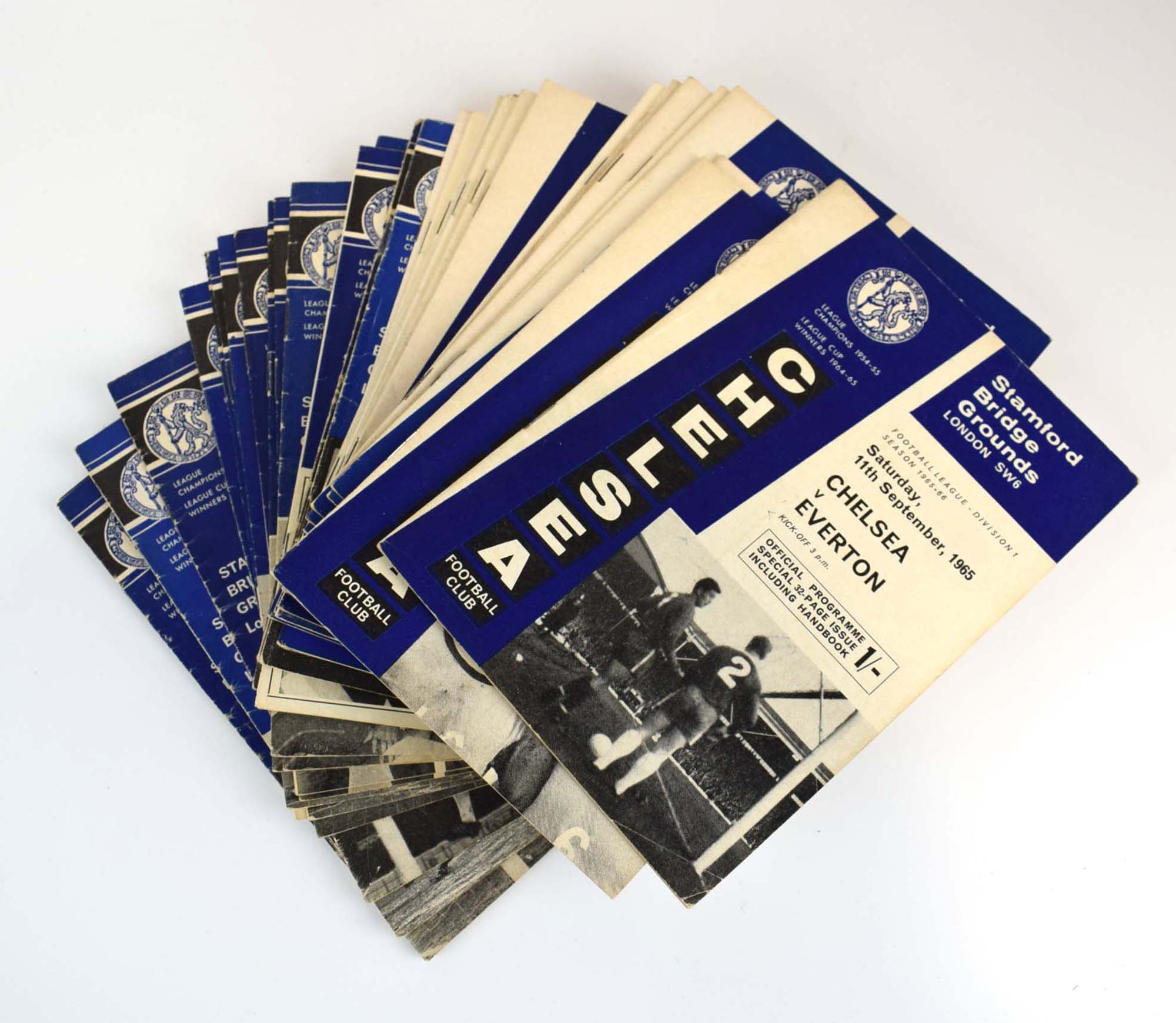 Chelsea Football Club: Approximately one hundred and thirty official home programmes dating from - Image 3 of 10