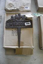 (1086) Box containing 8 Welcome picket signs