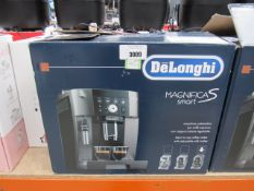 (65) Delonghi Magnifica S Smart coffee machine