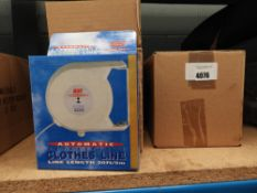 4097 2 boxes of retractable washing lines