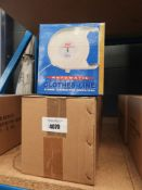 2 boxes of retractable washing lines