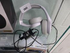 Motorola bluetooth headphones in white model SH012
