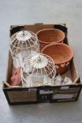 Box containing 2 bird feeders, 2 terracotta pots and other garden ornaments
