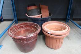 Quantity of assorted pots