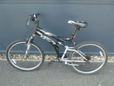 Dunlop mountain cycle in black