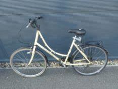 Amacco beige ladies cycle