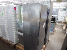 KGV33VLEAGB Bosch Free-standing fridge-freezer