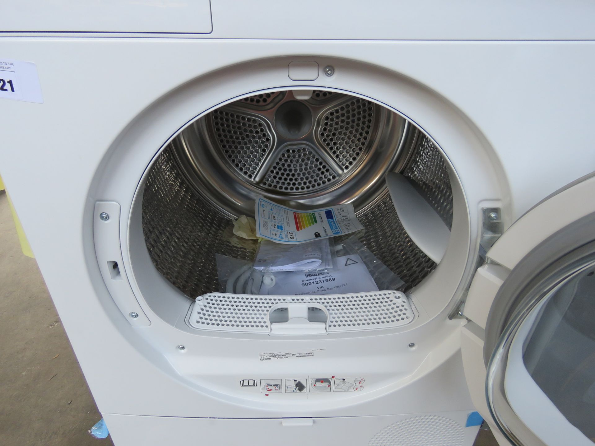 WTR88T81GBB Bosch Tumble dryer - Image 2 of 2