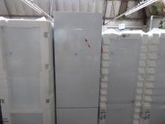 KGN39VWEAGB Bosch Free-standing fridge-freezer