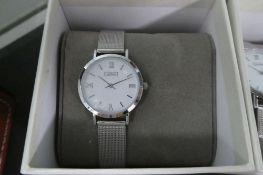 2061 Luke Henry wrist watch with box