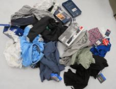 Large bag of mixed mens clothing and underwear incl. Pringle, Under Armour, Champion, etc.