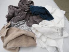 Bag containing mixed bath towels