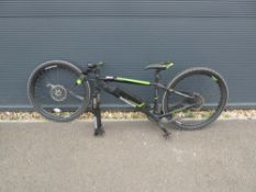 4031 Lombardo green and black electric bike with front wheel not connected, missing wheel spindle