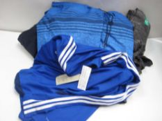 Bag of ladies and gents mixed clothing to include 32 Degree Heat tops, Champion t-shirts, etc