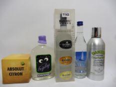 3 bottles plus miniatures Vodkas, 1x Set of 3 Boru Vodka from Ireland, plain,