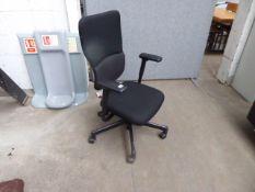 Steel case Lets B black cloth swivel armchair