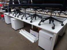 Double bank of 6 120cm white individual workstations with 6 mobile 3-drawer pedestals (assembled)