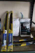 4 Michelin window wipers with 2 packs of white serviettes towels