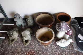 Quantity of concrete garden ornaments in the shape of dogs with 3 ceramic pots, mushroom and duck