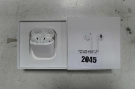 Apple airpods 1st Gen. with charging case and box