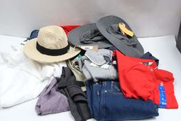 Bag of assorted gents clothing incl. stretch jeans, denim, sun hats and t-shirts