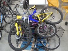 Approx. 7 assorted mountain bikes incl. childrens shopper bikes and scooter